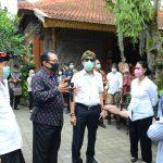 Two Ministers Monitor the Implementation of Health Protocols at the Sukawati Bali Art Market